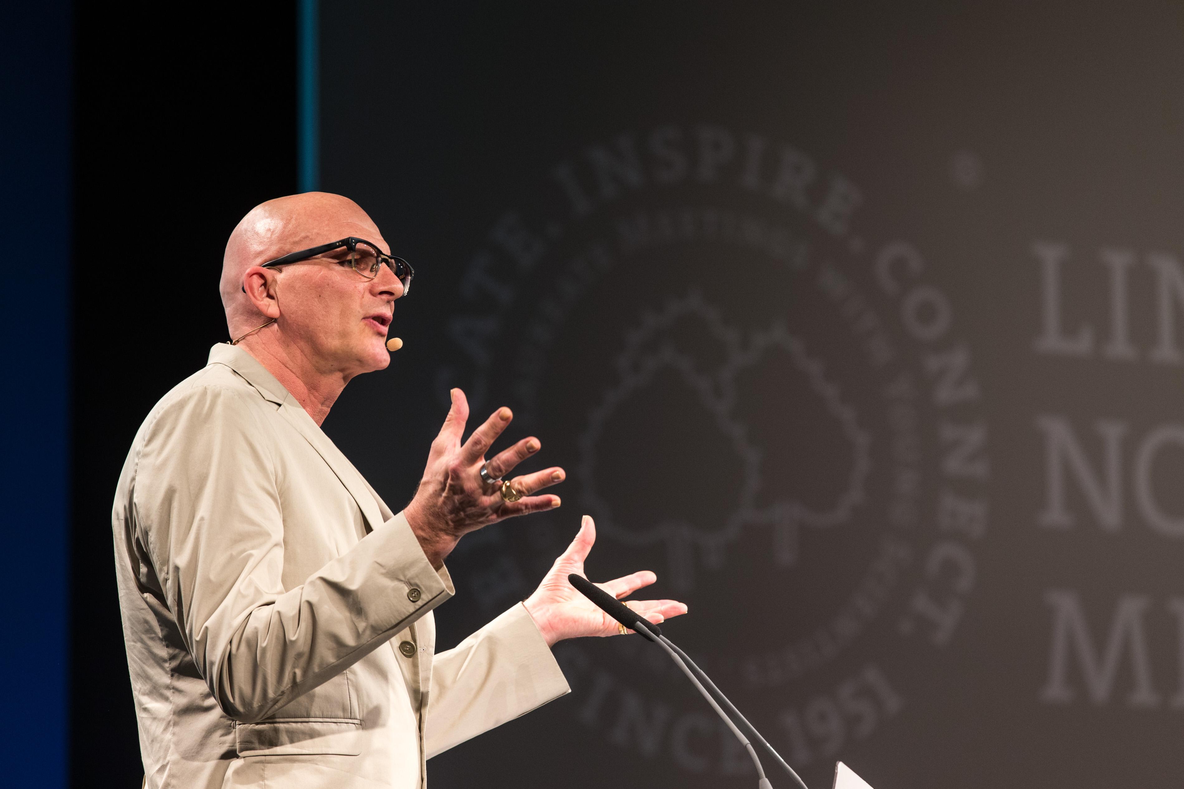Kjell Nordström während seines Vortrages. Photo: Christian Flemming/Lindau Nobel Laureate Meetings