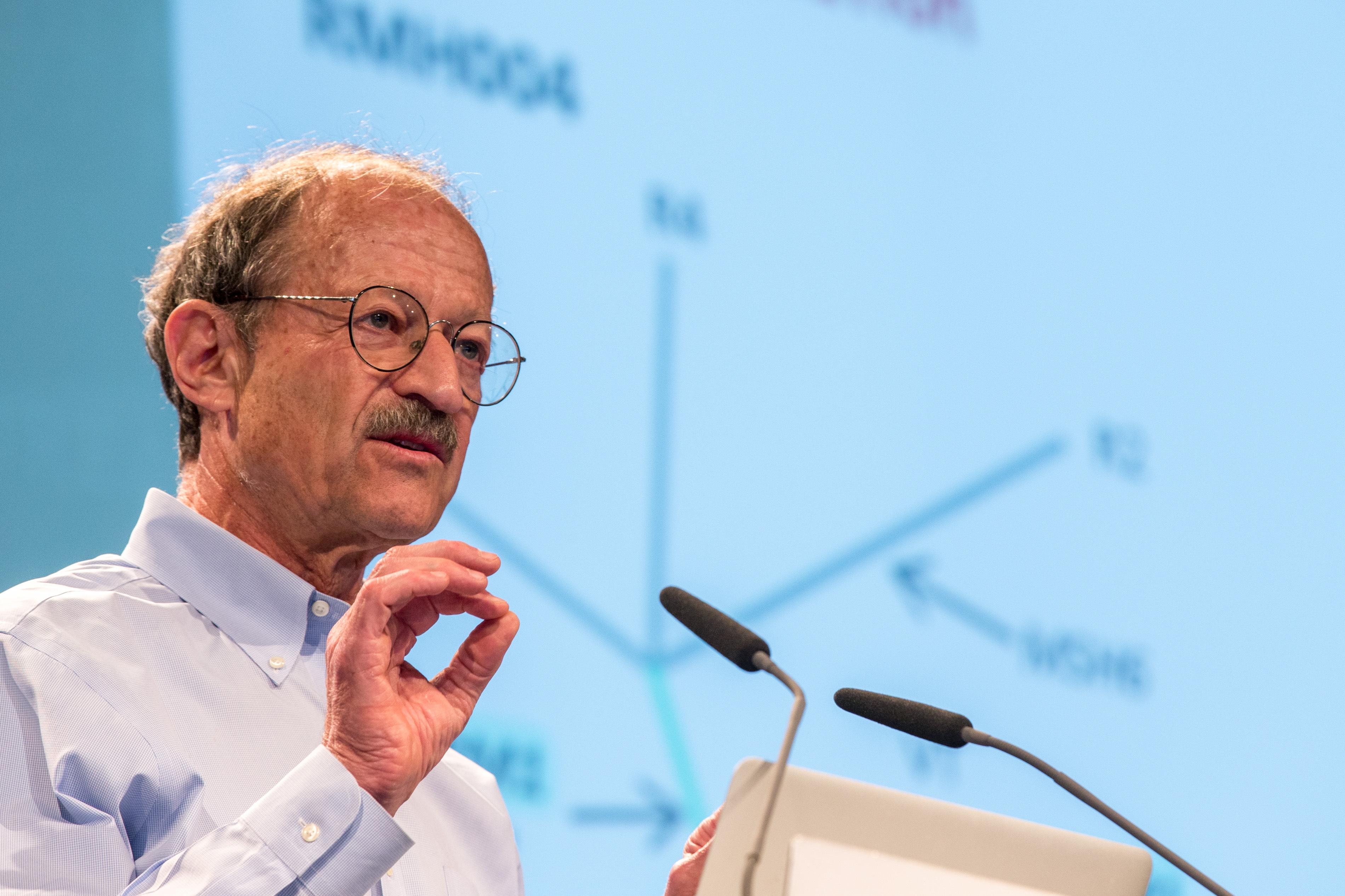 Varmus während seiner Lecture. Foto: Ch. Flemming/Lindau Nobel Laureate Meetings.