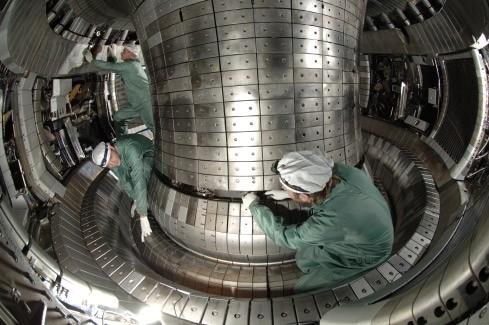 Der Forschungs-Tokamak ASDEX Upgrade am Max-Planck-Institut für Plasmaphysik in Garching. Foto: MPI-PP