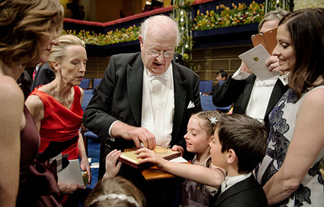 Anne Case (left), Angus Deaton with family members after the Nobel Prize ceremony in Stockholm on December 10, 2015. Photo: Nobel Media AB 2015/Pi Frisk