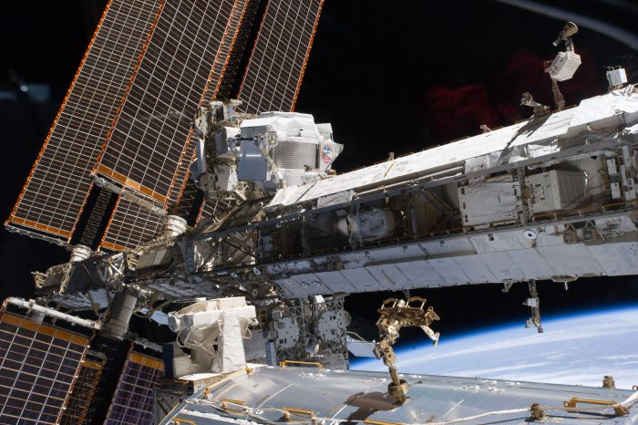 The starboard truss of the ISS with the newly-installed Alpha Magnetic Spectrometer-2, visible at the center left. May 20, 2011, STS-134 mission. Photo: NASA, public domain