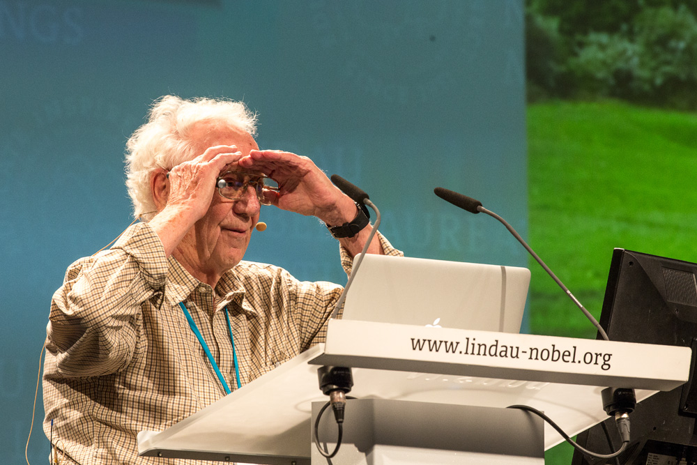 A dedicated hobby aviator, Oliver Smithies always kept looking for new horizons. Photo: R. Schultes/Lindau Nobel Laureate Meetings