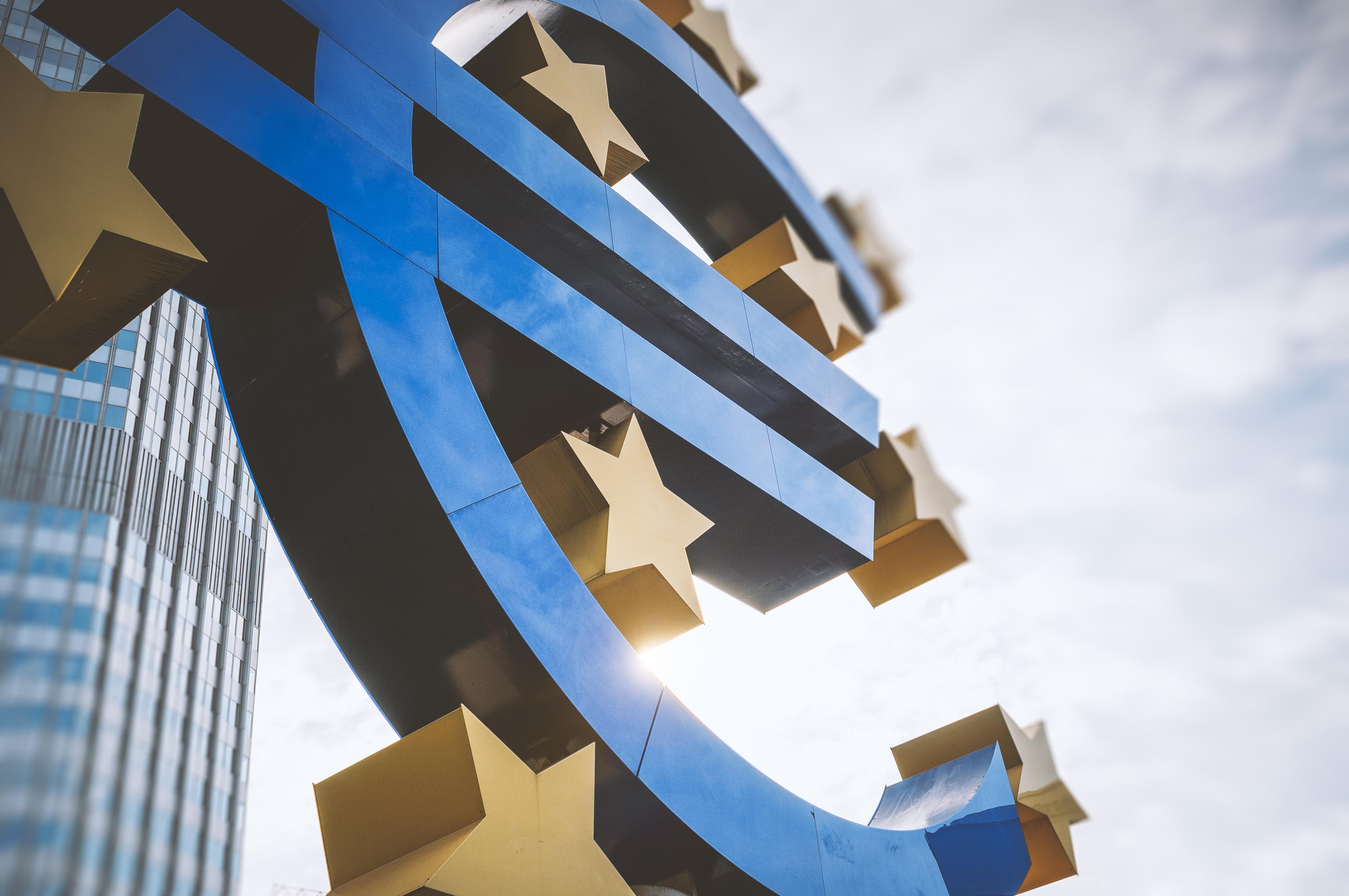 Euro sculpture, Frankfurt, Germany. Photo/Credit: instamatics/iStock.com