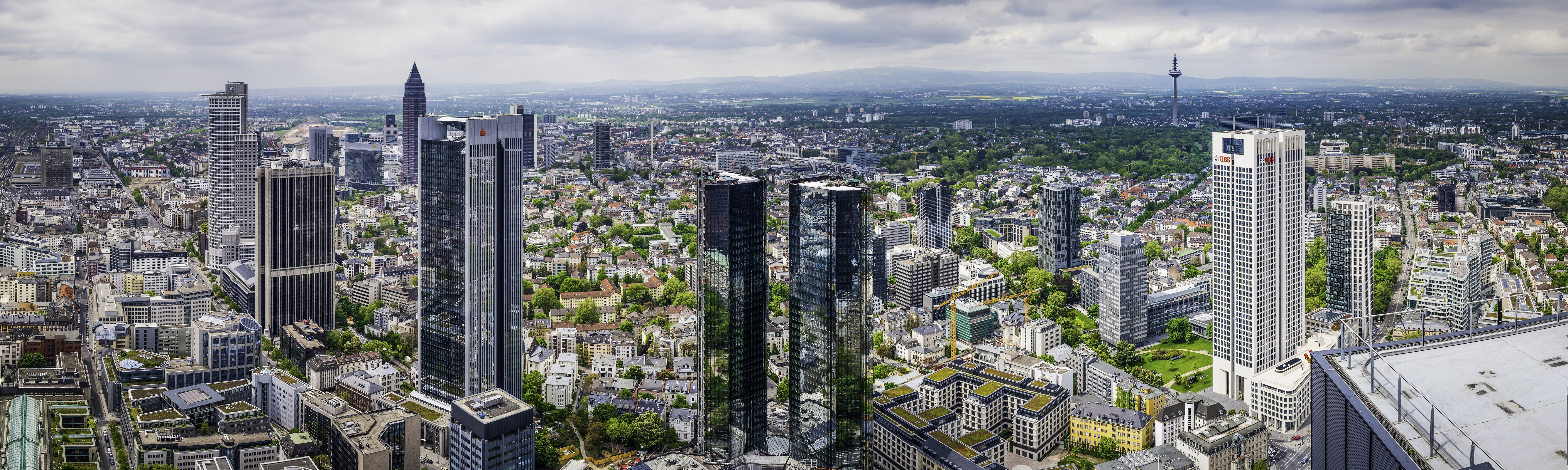 Financial district in Frankfurt, Germany. Photo/Credit: fotoVoyager/iStock.com
