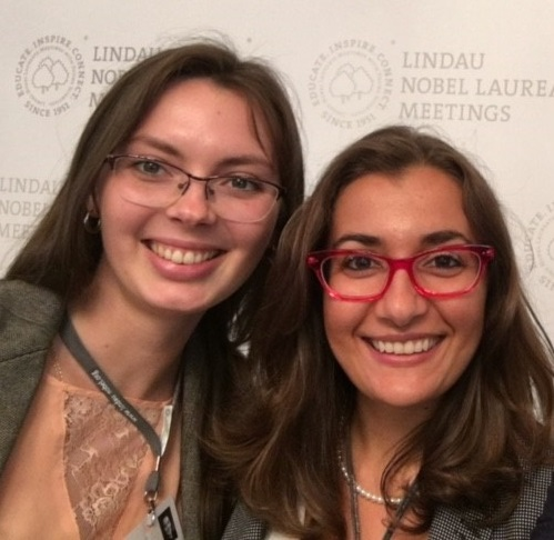 Angela De Martiis (right) and Maria Kristalova during the 6th Lindau Meeting on Economic Sciences