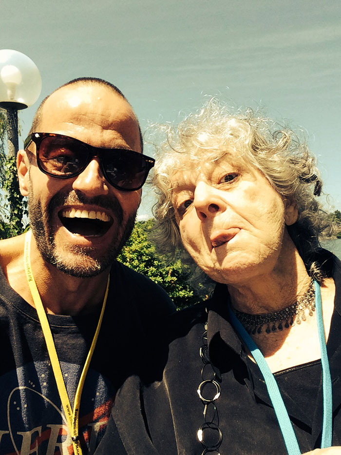 Adam Spencer snapping a selfie with Ada Yonath. Photo: Adam Spencer