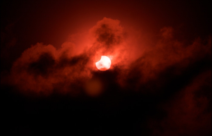 Solar eclipse. Credit: Shehal Joseph @ FlickR. (licensed under Creative Commons)
