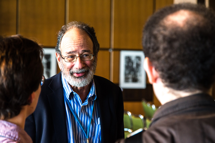 Alvin with Roth with students. Photo: C.Flemming/Lindau Nobel Laureate Meetings