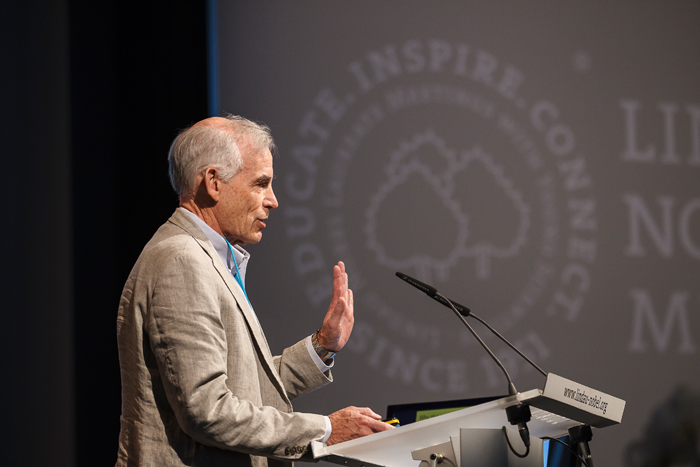 Christopher Sims during his lecture at #LindauEcon14. Photo: R.Schultes/Lindau Nobel Laureate Meetings