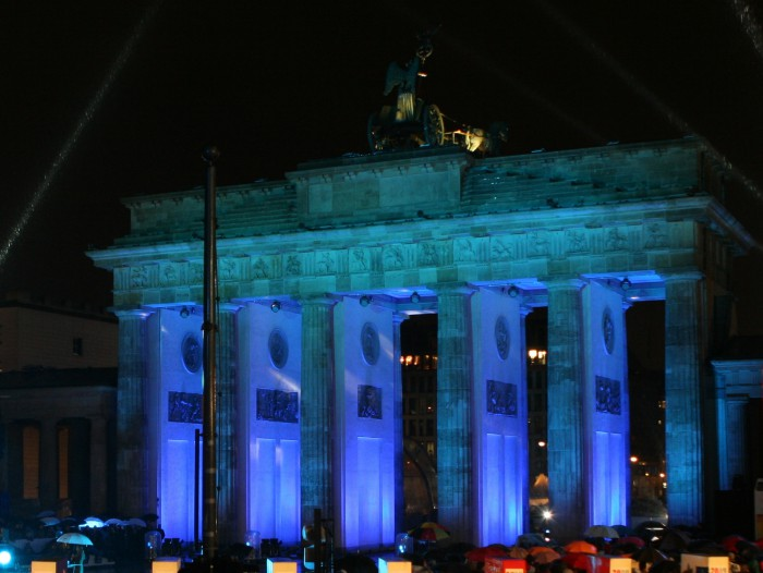 The Brandenburg Gate in Berlin also takes part in the global effort fight diabetes. This picture was taken in November 2009. Photo: U.S. State Department
