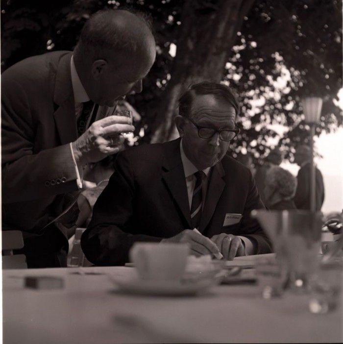Virtanen giving an autograph to a fan at the 1964 Lindau Nobel Laureate Meeting. Photo: LNLM