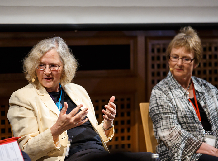 Prof. Elizabeth Blackburn taking part in a panel discussion at Lindau in 2014. Photo: R. Schultes/Lindau Nobel Laureate Meetings