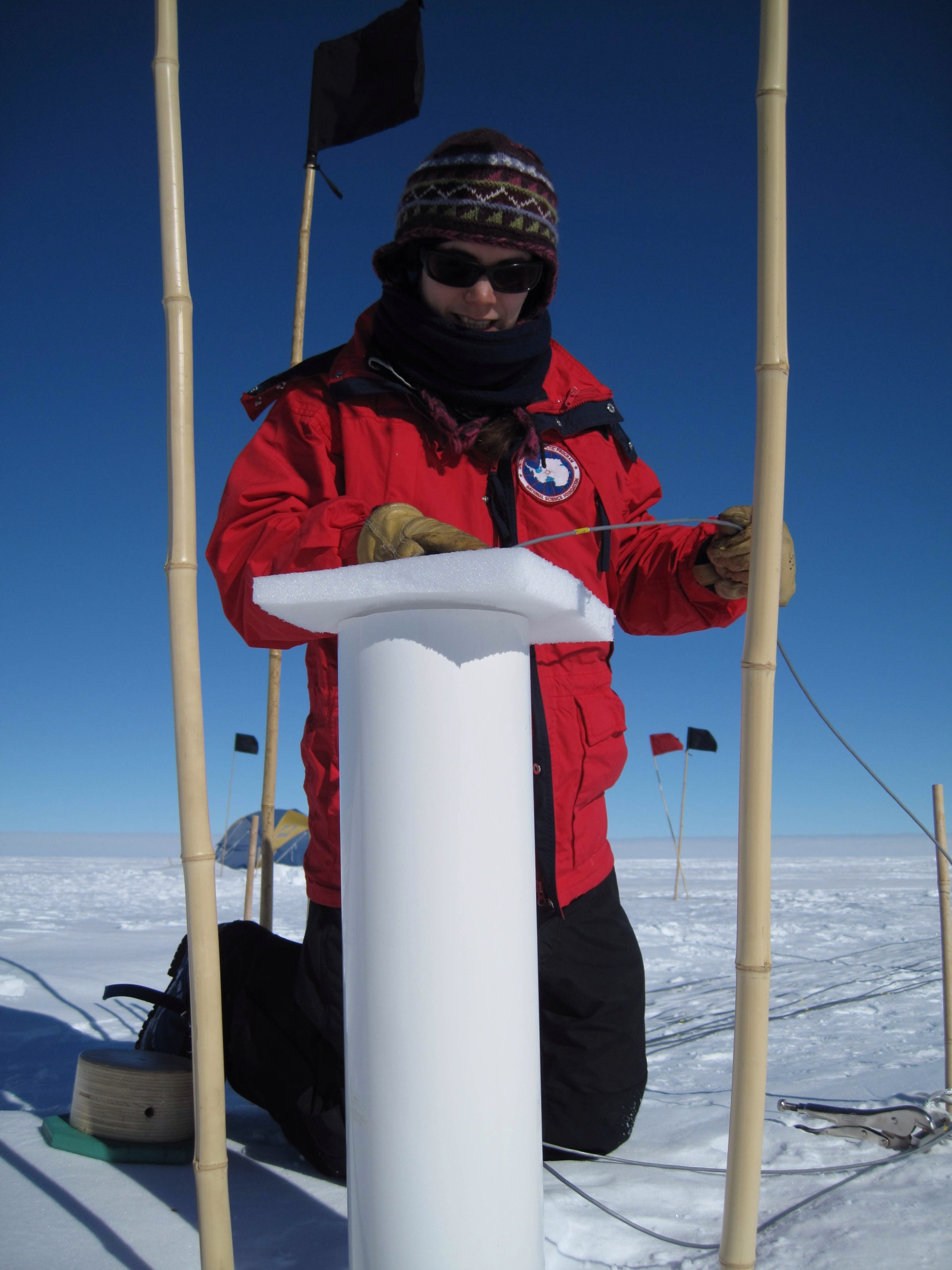 Taking ice cores in the Arctic. (Photo : Mikko Vihtakari)