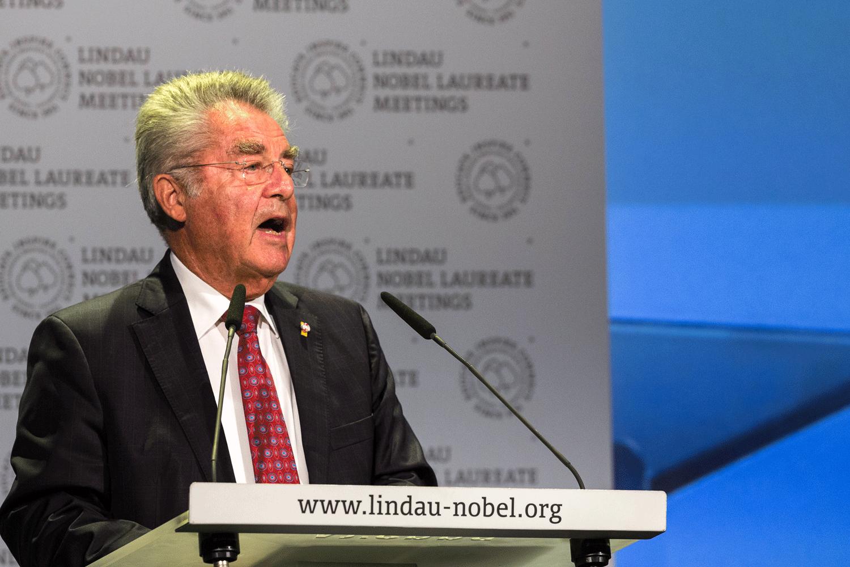Der österreichische Bundespräsident Heinz Fischer bei der Eröffnungsrede der 66. Lindauer Nobelpreisträgertagung. Foto: Ch. Flemming/Lindau Nobel Laureate Meetings