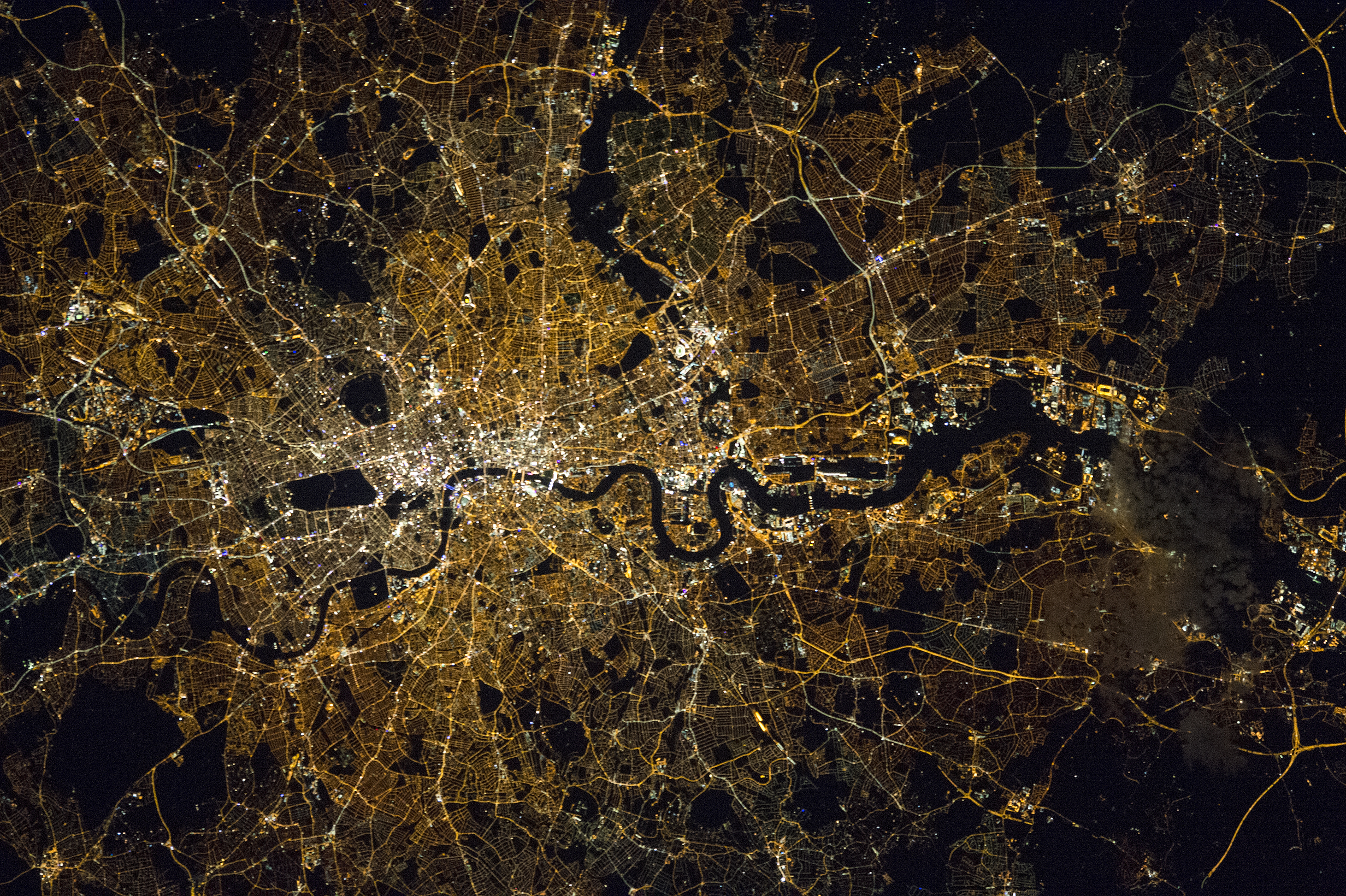 London bei Nacht (Image courtesy of the Earth Science and Remote Sensing Unit, NASA Johnson Space Center)