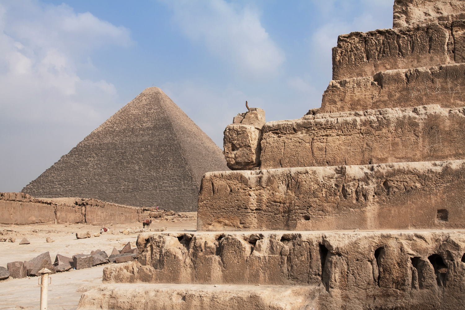 Our ancestors left us awe-inspiring monuments whose grandeur never has been replicated so far. Our own legacy to future generations however, may consist of something more sublte yet fundamental: A profound understanding of the universe's inner workings. Photo: iStock.com/DKart