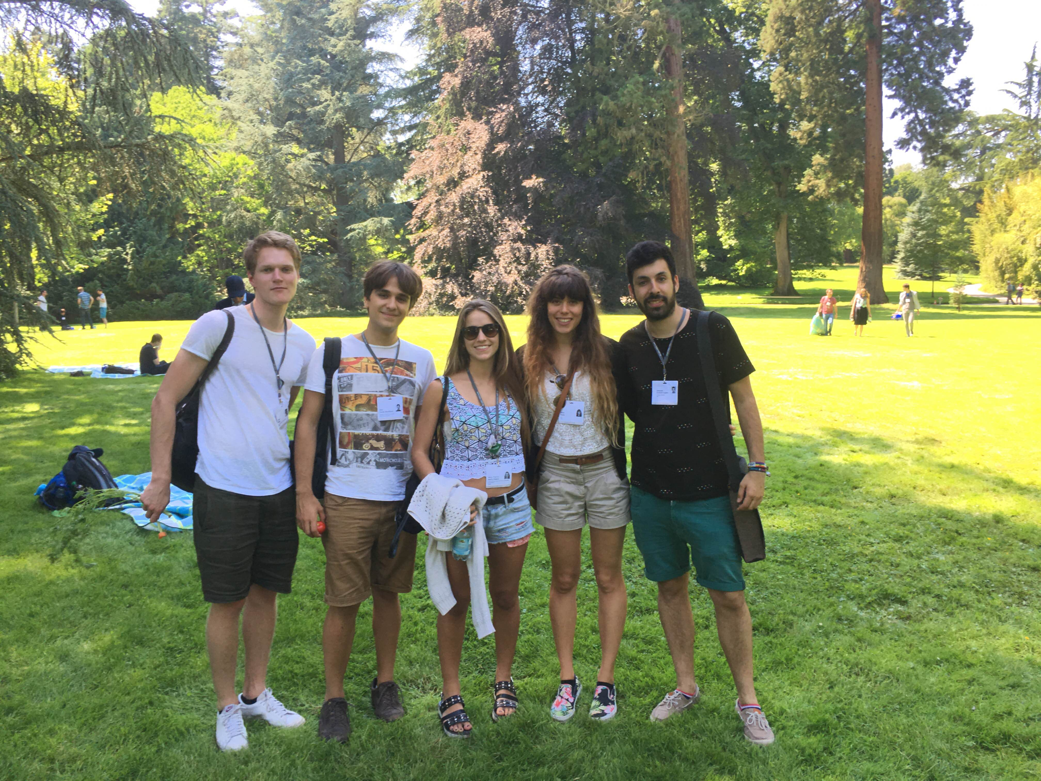 Irene Alda (second from right) with new #LiNo16 friends