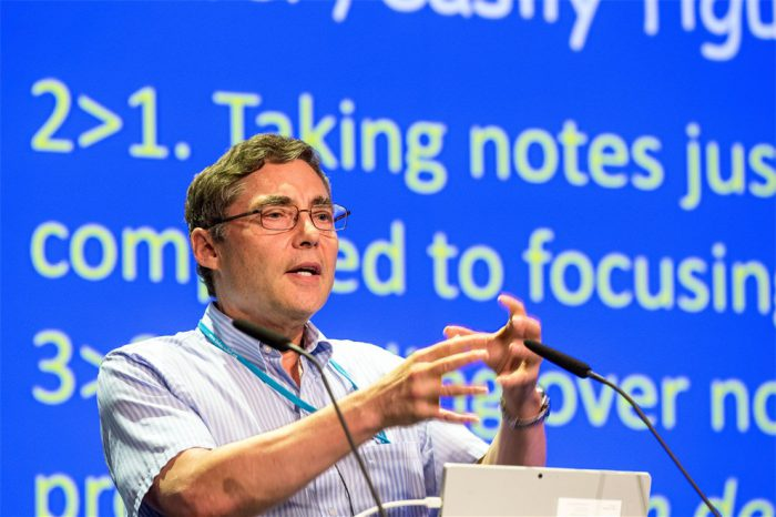 Wieman during his 2016 lecture at the 66th Lindau Nobel Laurate Meeting in Lindau. He's just explainin how taking notes actually distracts students from following the lecture. Photo: LNLM