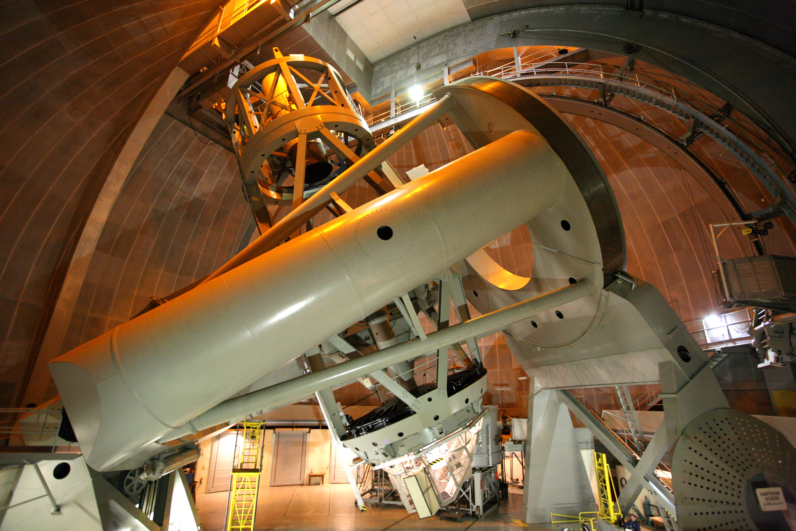 The 200-inch Hale telescope at Palomar Observatory, USA  (credit: Palomar Observatory/California Institute of Technology)