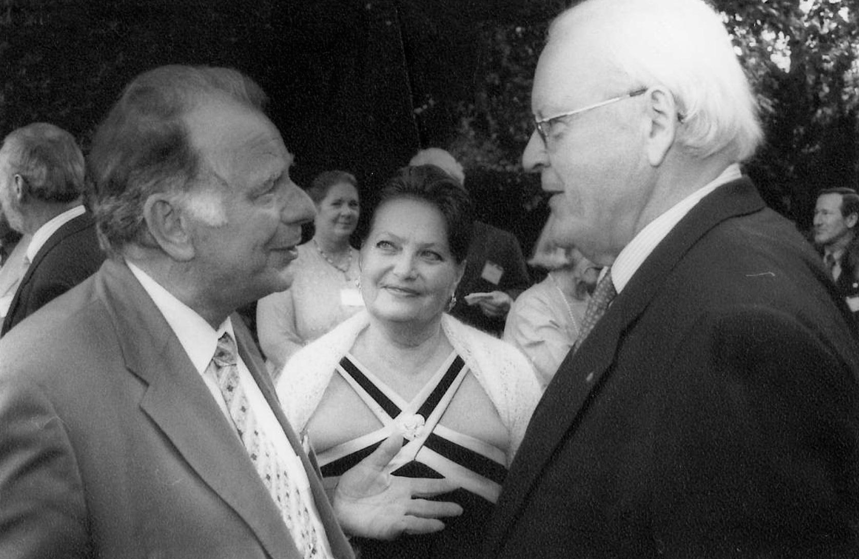 Roman Herzog (rechts) mit Nobelpreisträger Zhores Alferos 2001 in Lindau. Foto: Peter Badge