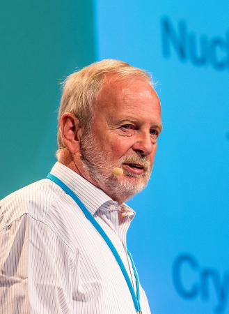 Hartmut Michel during his 2014 lecture at the 64th Lindau Nobel Laureate Meeting. Photo: Christian Flemming/LNLM