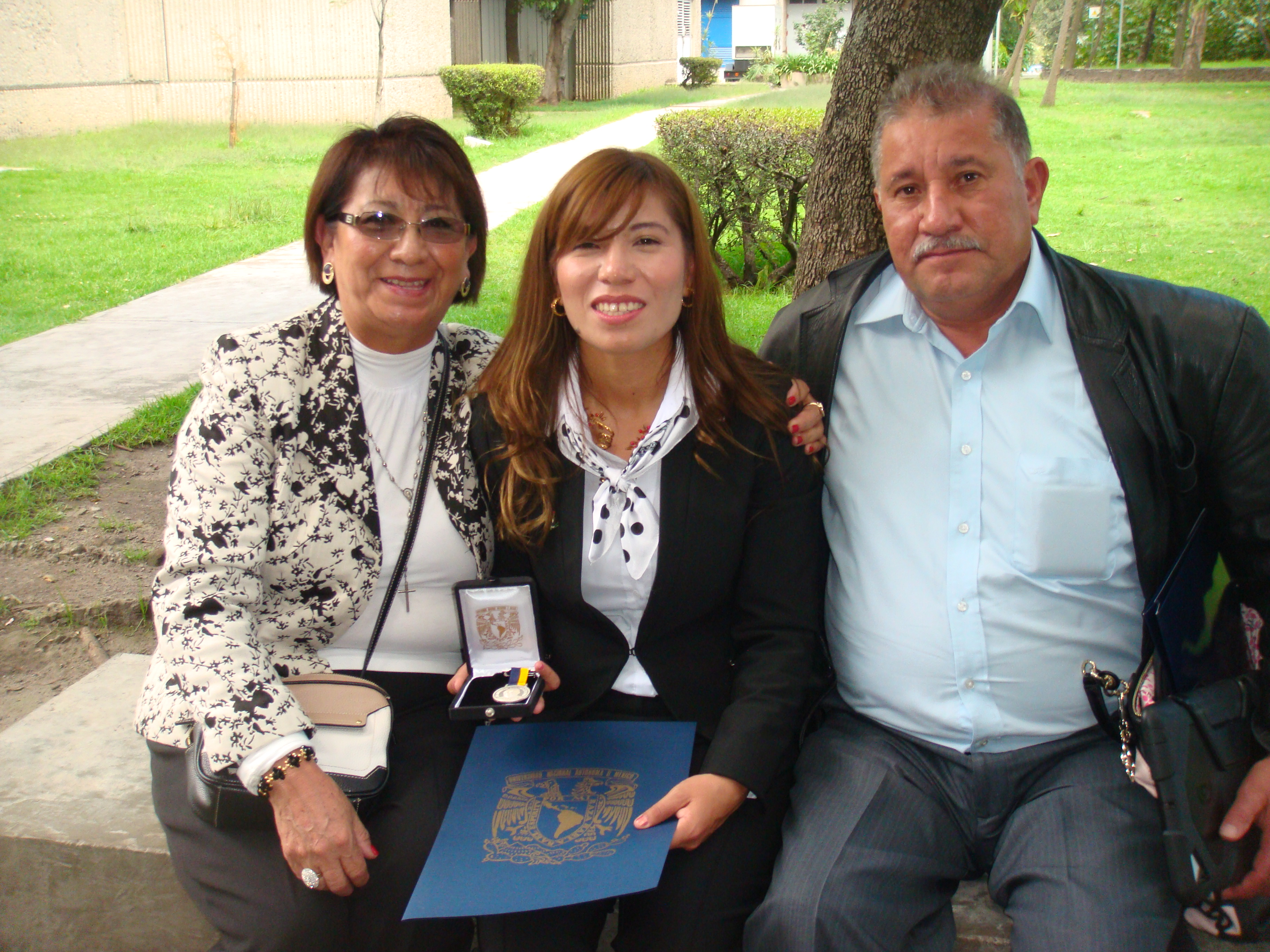 Ana Torres with her parents, Photo: Courtesy of Ana Toores
