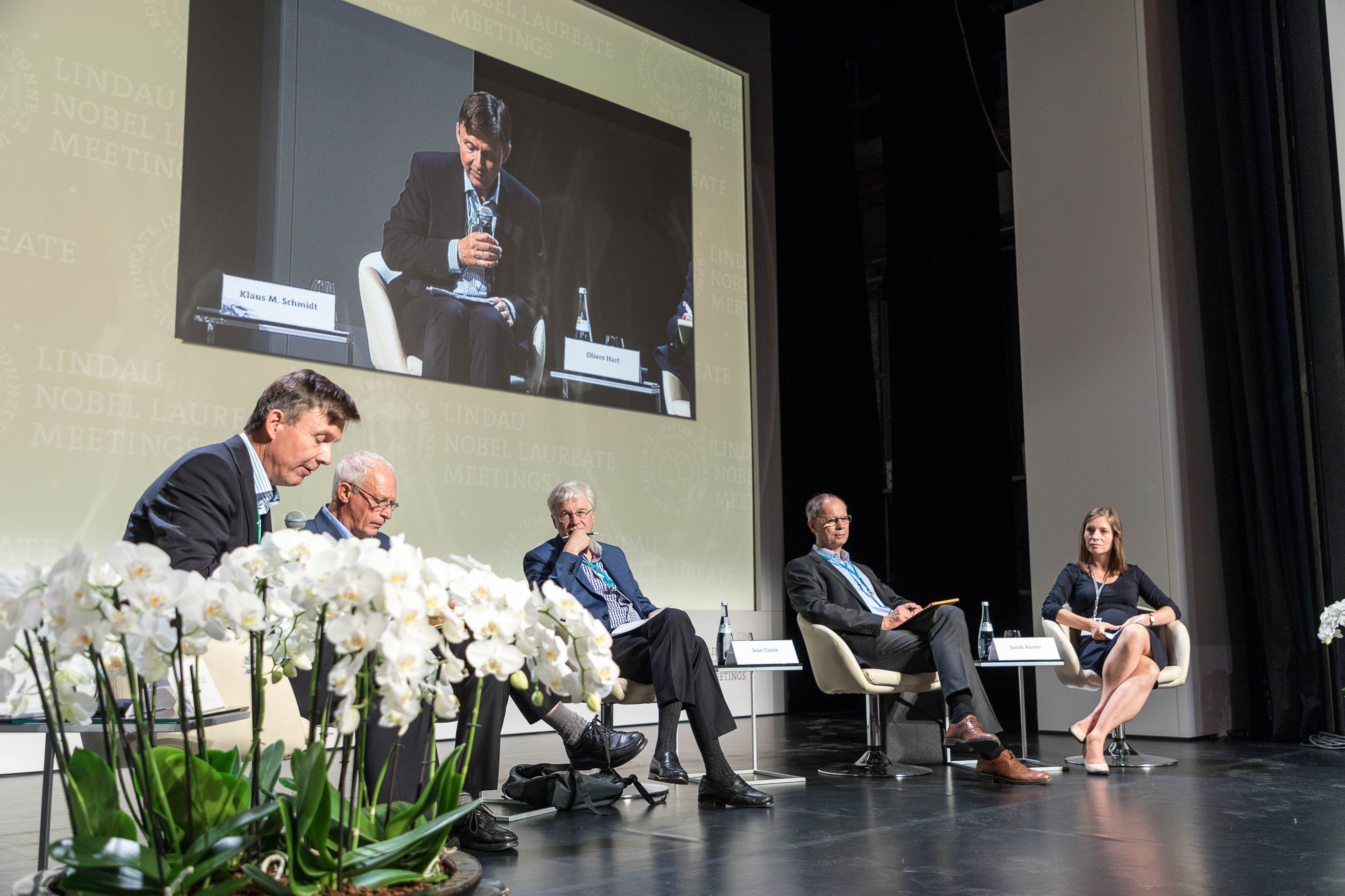 Panel Discussion: Contracts, Incentives and Organisations duirng the 6th Lindau Meeting on Economic Sciences. Picture/Credit: Christian Flemming/Lindau Nobel Laureate Meetings
