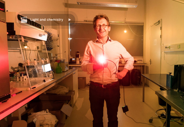 Nobel Laureate Ben Feringa in his lab at the Universioty of Groningen. Photo/Credit: Volker Steger/Lindau Nobel Laureate Meetings